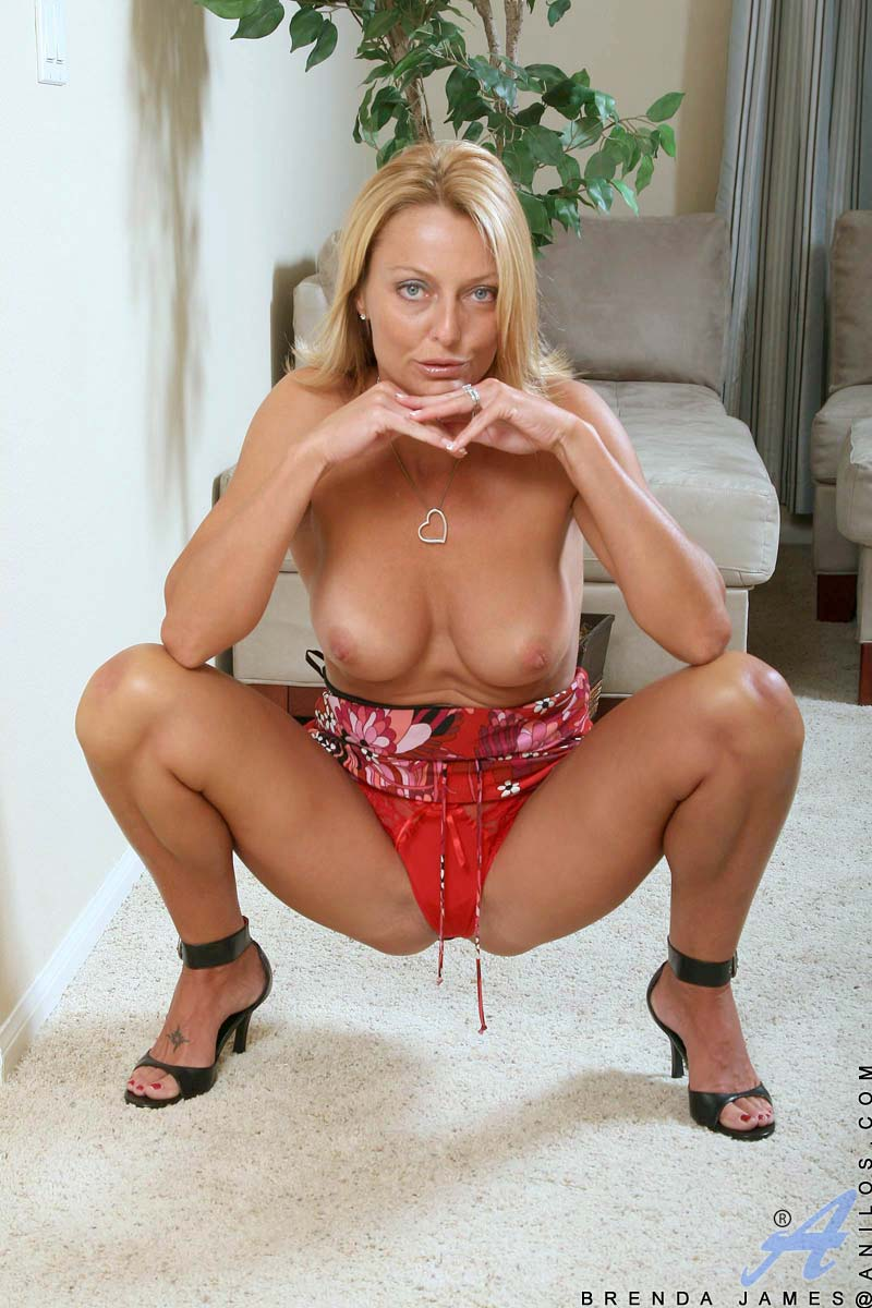 Mature blonde milf perky