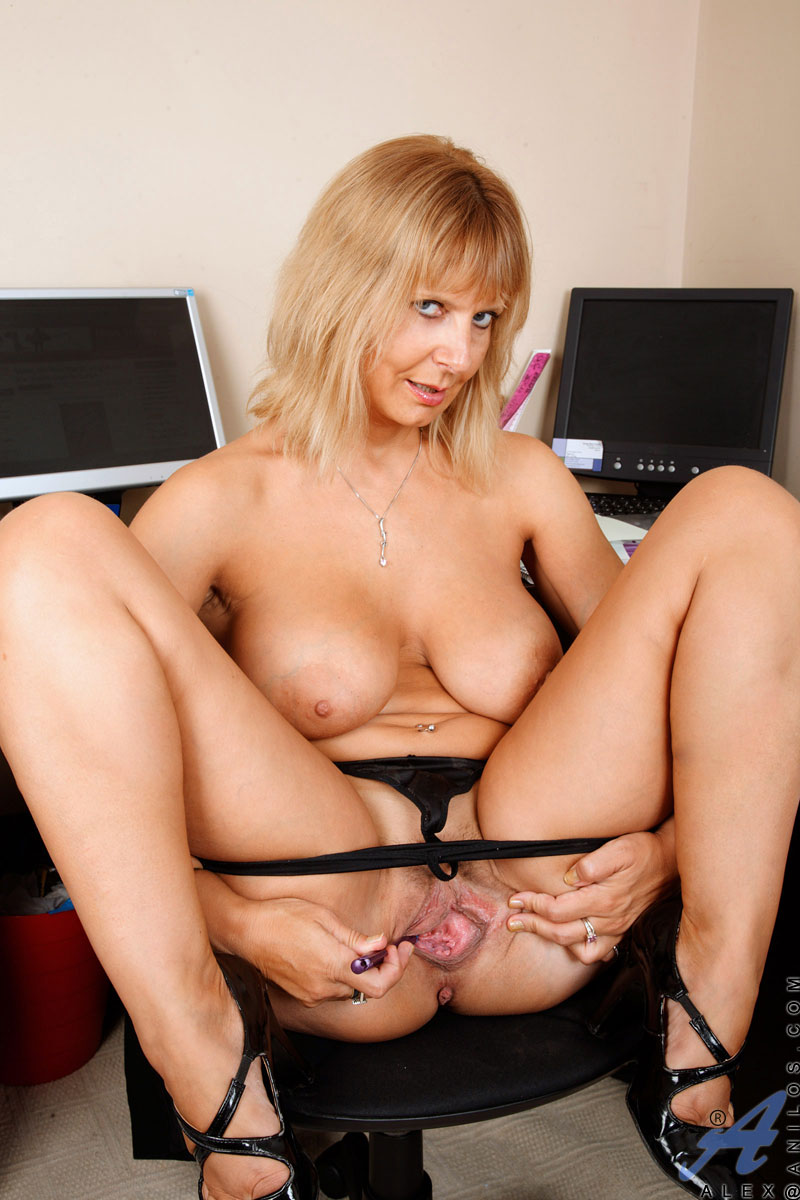 cougars-pussy-xxx