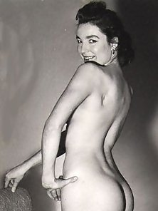 Several retro ladies with nice big asses showing it all