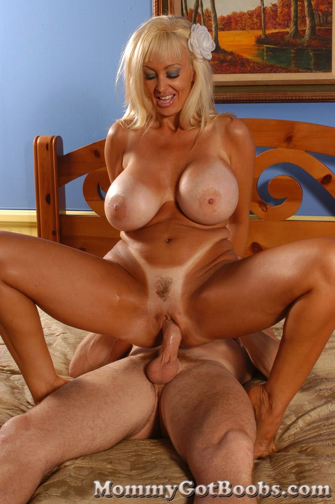 Brittany o neil gets fucked by peter north - 3 part 10
