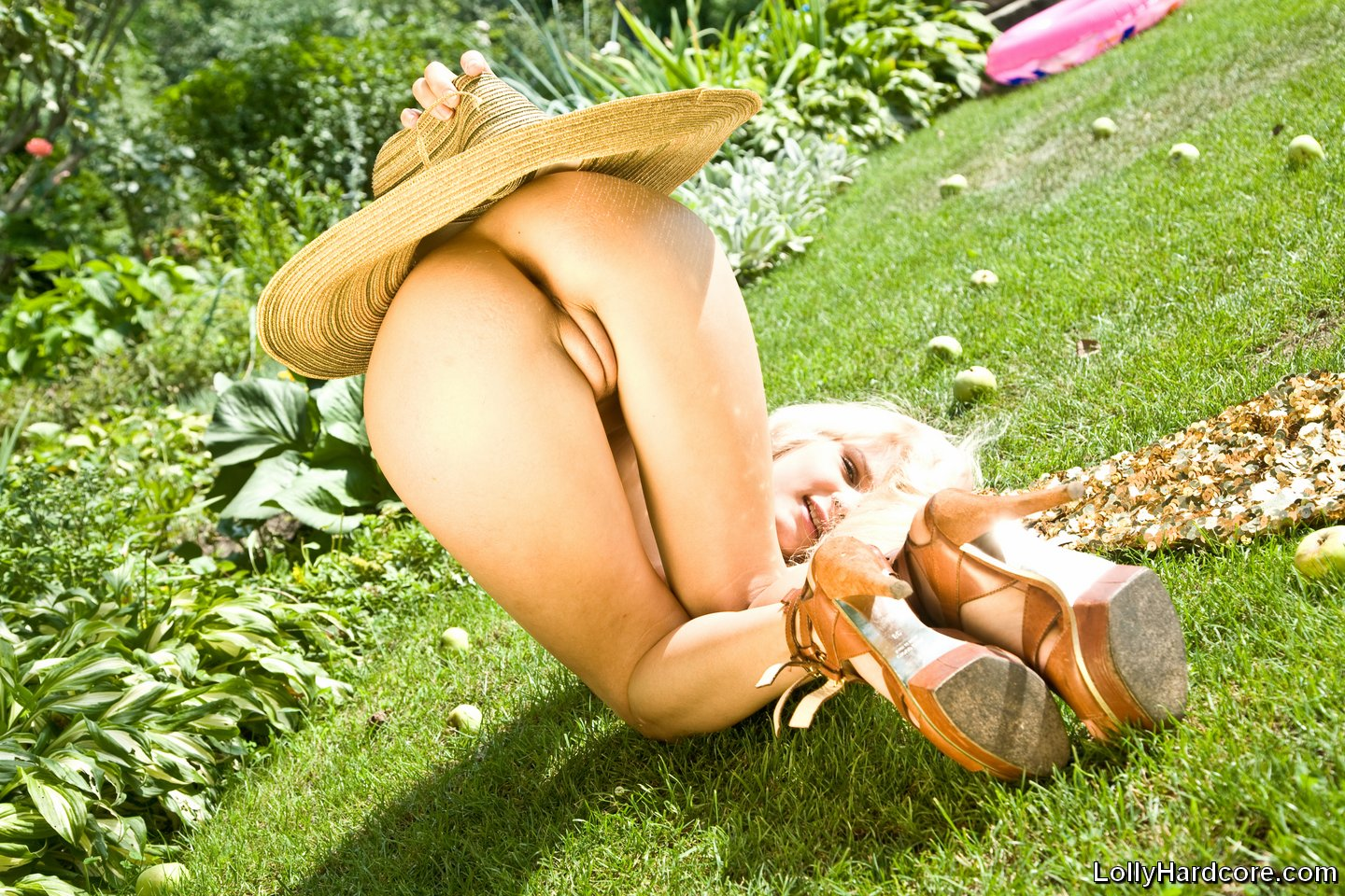 (0ー12)||tvn.hu nude imagesize:1440x960 a Super sweet model posing nude outdoors