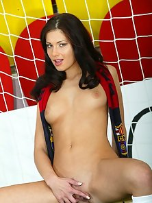 Evelyn Lory shows her Barcelona spirit