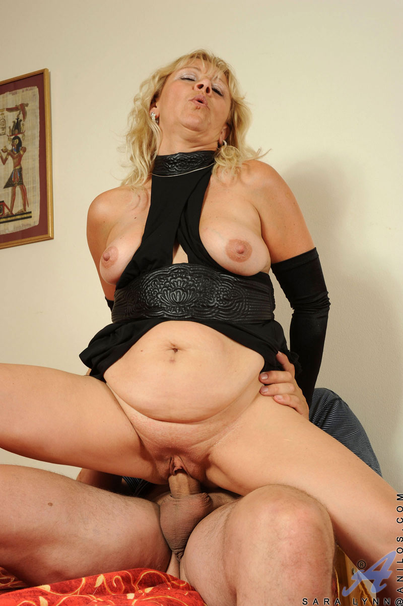 Horny milf rides cock like a champ