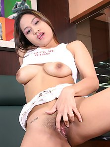 Busty thai enjoys a dildo in her asian pussy