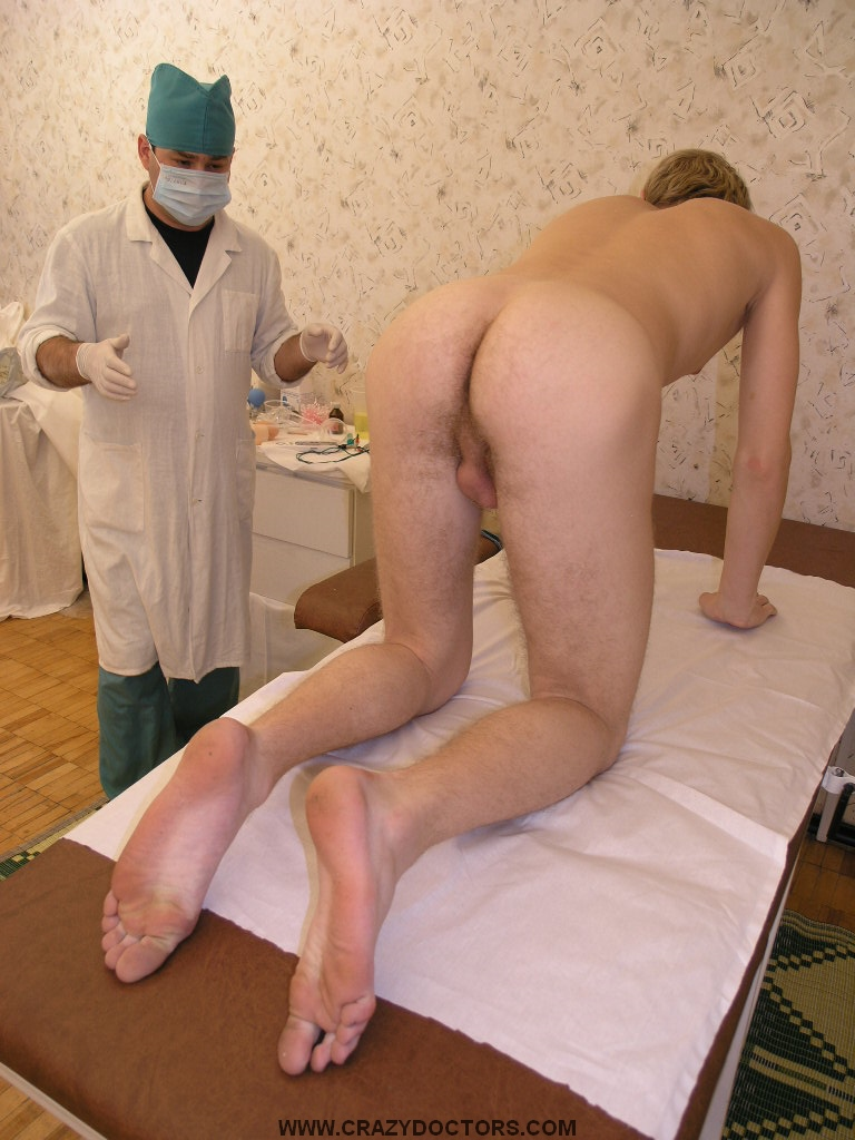 Twink Dude Gets His Ass Examined By Doctor