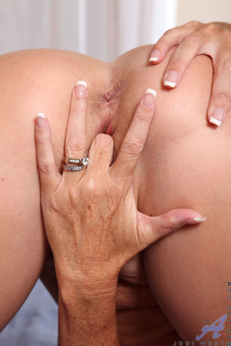 finger in ass hole