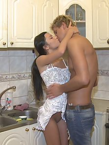 Ravishing Brunette Dinner Gets Banged by Naughty Boyfriend Katya