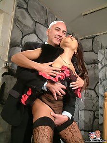 British milf slut gets Jimbo his stiff cock inside