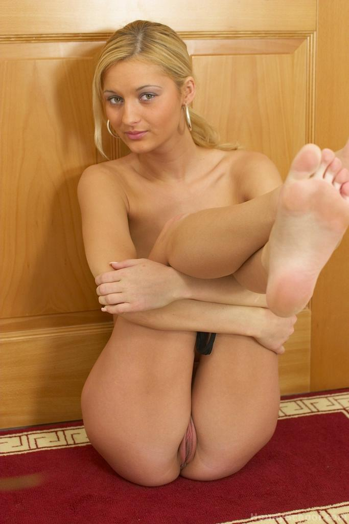 Blonde Teen Pink Pussy Fuck