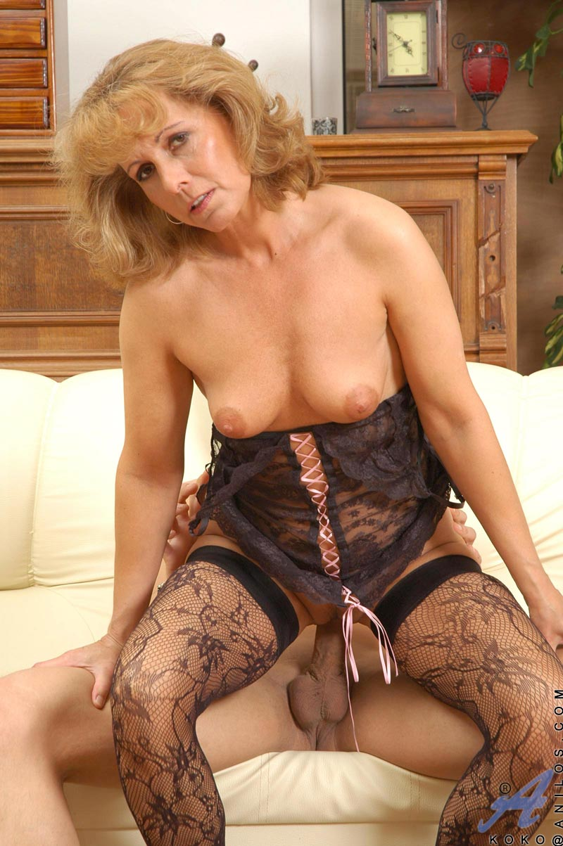 Lusty milf craves abuse in the sun 2
