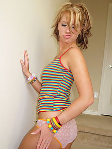 Horny amateur teen babe Kelly Young flaunts her breasts