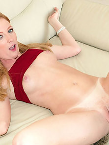 Alexa Lynn takes a deep banging and rewarded with jizz