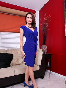 Sexy mature MILF in her hot blue evening wear