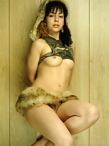 Kinky zee in a short furry skirt