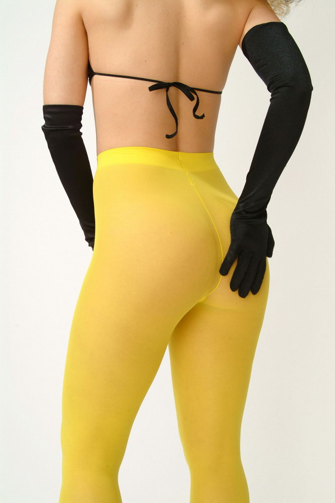 Complete her bumble bee costume with these Child Yellow Tights! These leggings will give her the warmth she needs and keep her cute as a bee!