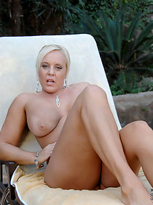 Do a double take of Anilos Alexis Golden her huge tits and thick cougar ass as they hang out of her