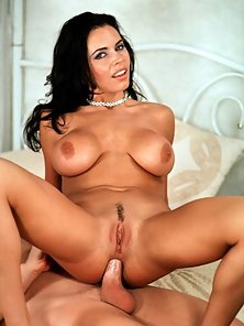 sweet brunette in great anal-fuckingg sessions