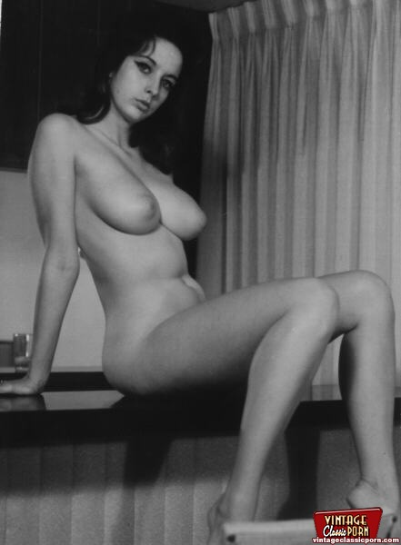Several Busty Girls From The Sixties Showing Their Goods -9566