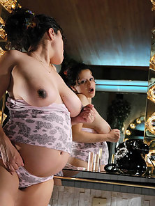 Big belly pregnant latina gets naked