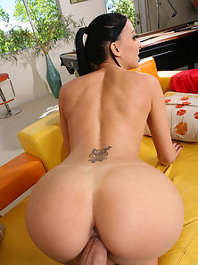 Fine ass brunette backs her round ass up and gets her pussy banged