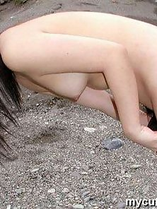 Asian amateur babe strips and shows her sexy teen body outdoor