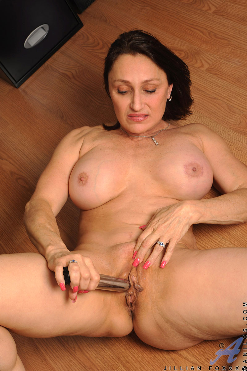 Love to stroke her pussy