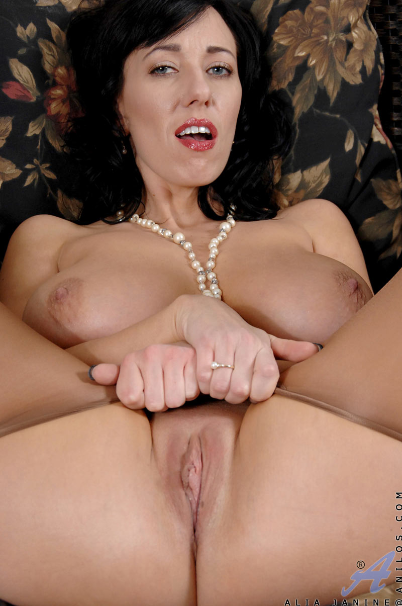 Pussy porn cougar