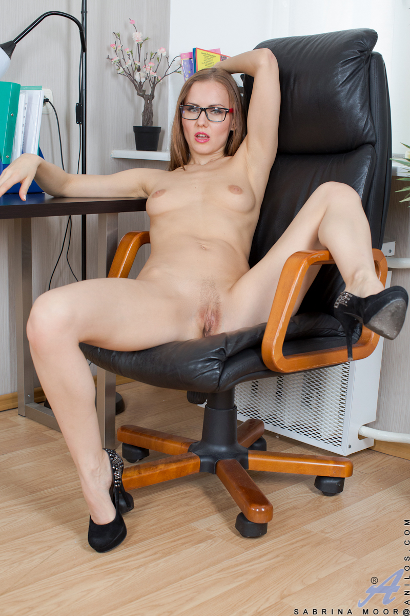 Lollita girl fucked pictures