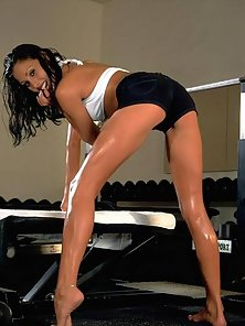 Anetta Keys sweaty and sexy while working out
