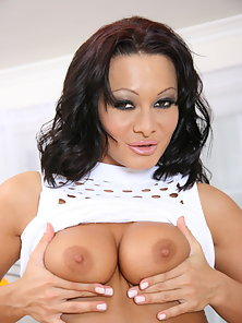 Anal queen Sandra Romain is going to fuck her stud silly