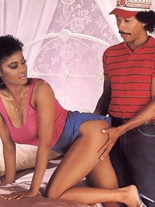 Eighties ebony slut fucked in her pussy