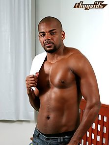 Rodrigo Bekmann is a hot hung black stud who features with another hot hung stud and a horny little