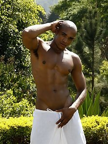Enjoy this hot gay gallery featuring Black stud Alan