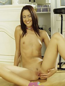 Perky Teen Gets Herself Off