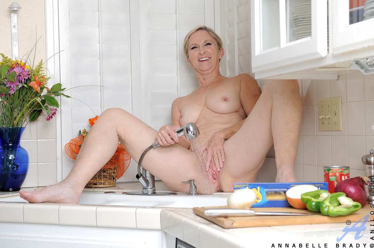 Showering With My Friends Hot Mom Clover Baltimore