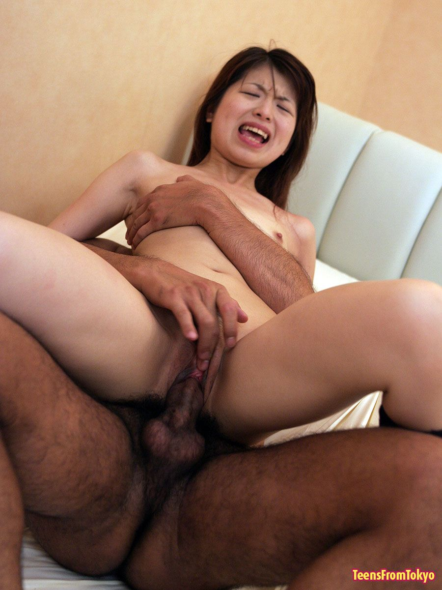 Japanese Schoolgirl Stuffed And Receives A Sticky Creampie -9585