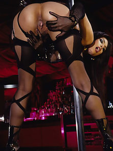 Tera Patrick Using Silver Dildo