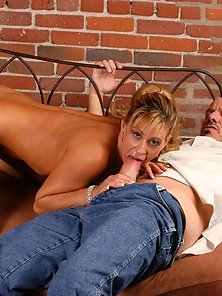 Round jugged blonde sexpot Phylissa fucked and cummed