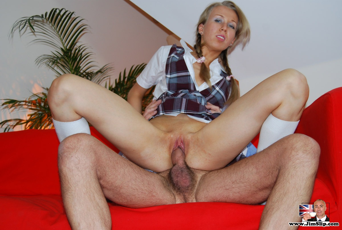 British slut romana gets fucked after internet dating 3