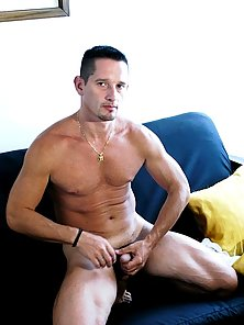 Free mature gay muscle galleries