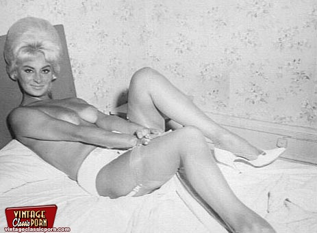 Remarkable, 50s housewife naked consider