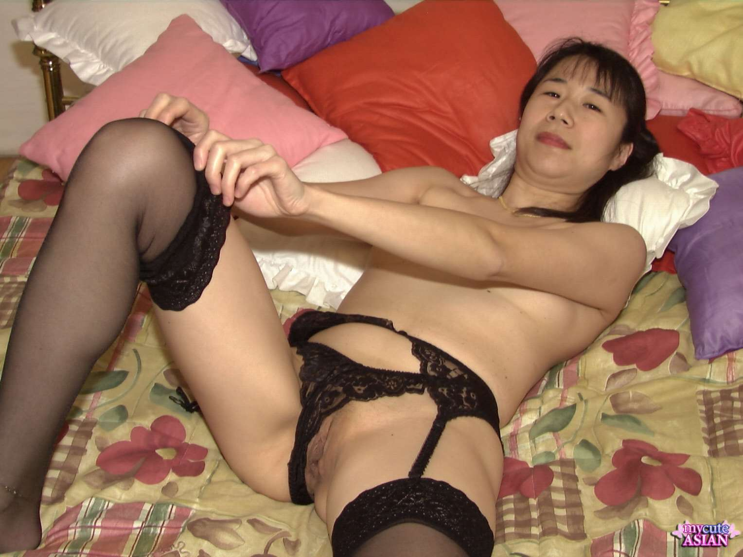 Milf Asian Fingers Her Hairy Pussy - Ass Point-2477
