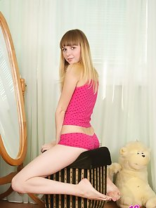 Gorgeous blonde lass named Dee likes to expose her seductive beaver and awesome sweet tight ass.