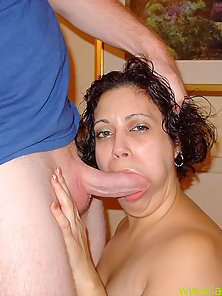 Plunging her latina pussy before spilling sperm on her face