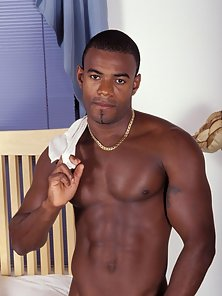 Muscle Black Stud gay black porn gallery