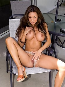 Crissy Moran naturally beautiful