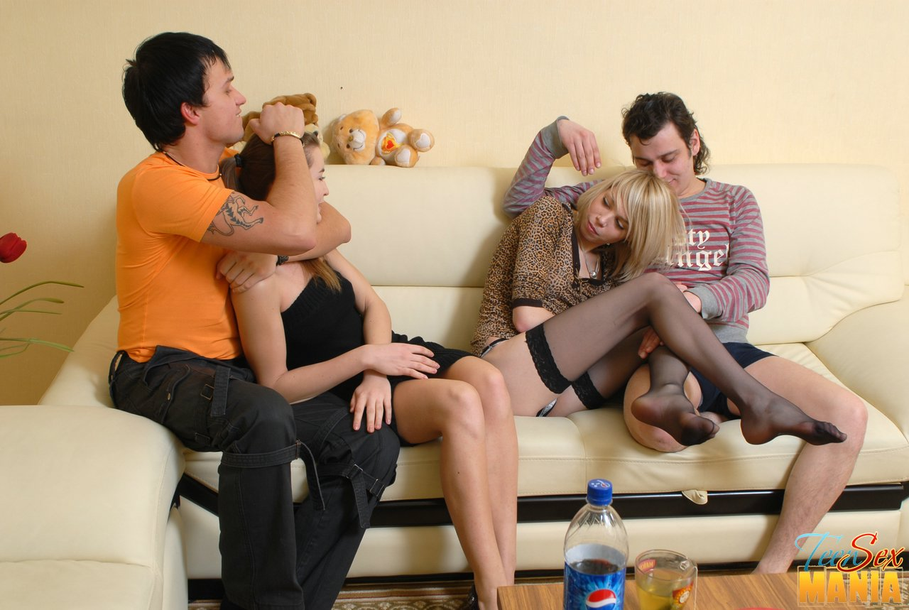 Sexy And Slutty Teen Foursome With Two Girls And Two Guys -2743