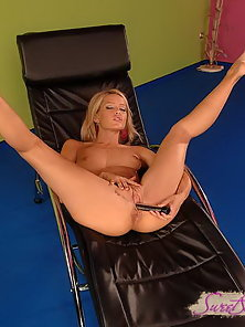 Sexy Sophie is stuffing her asshole with dildo