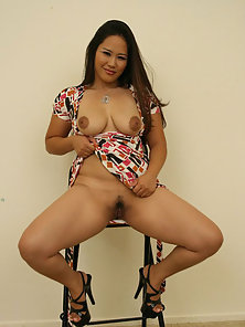 Sexy asian babe loves the cock