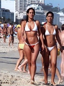 Hot candid asses relaxing on the beach